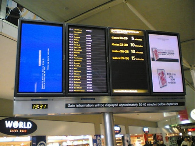 Blue Screen of Death at the Airport... Not a good feeling
